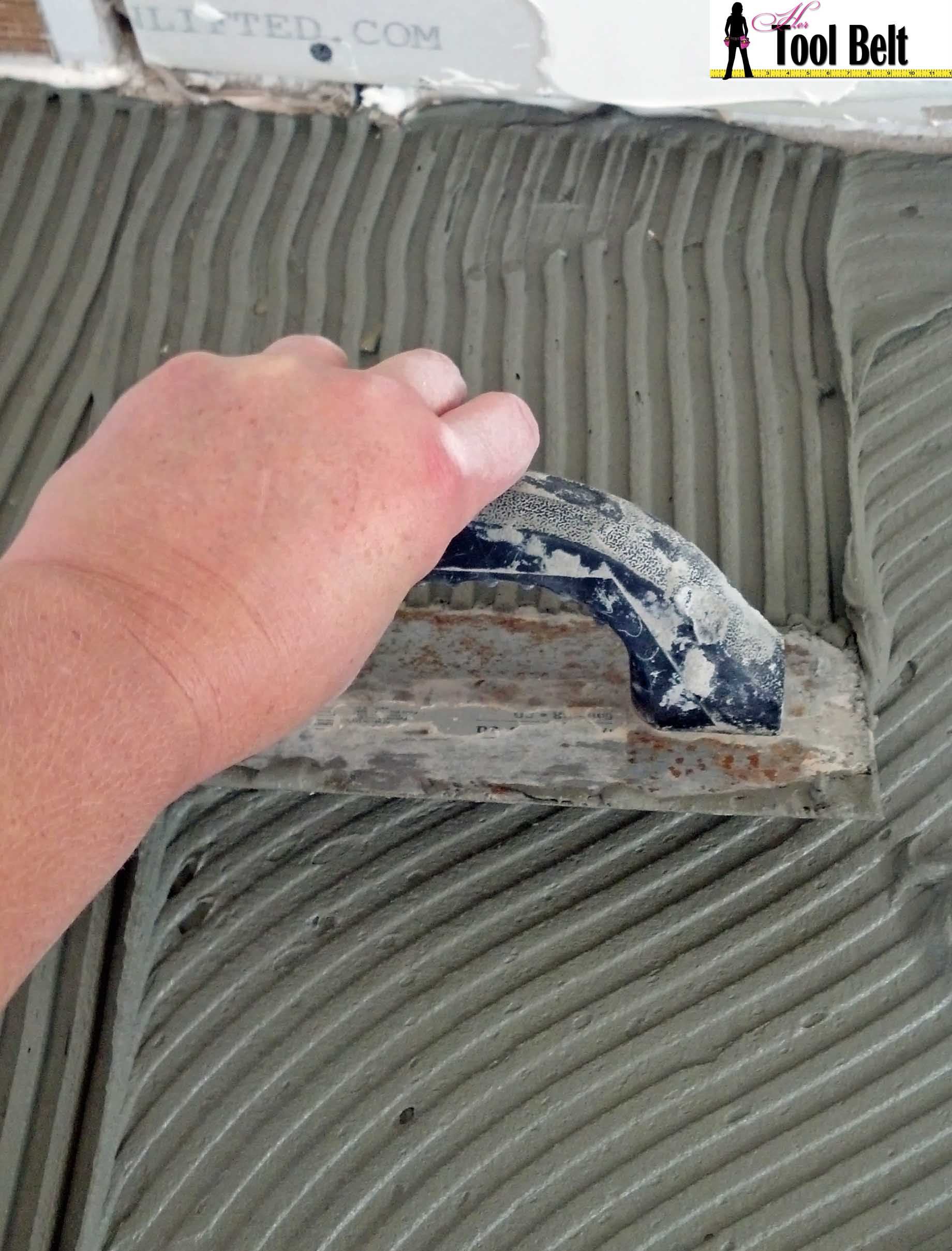 Travertine versailles pattern tile tutorial her tool belt for Pose carrelage sans colle