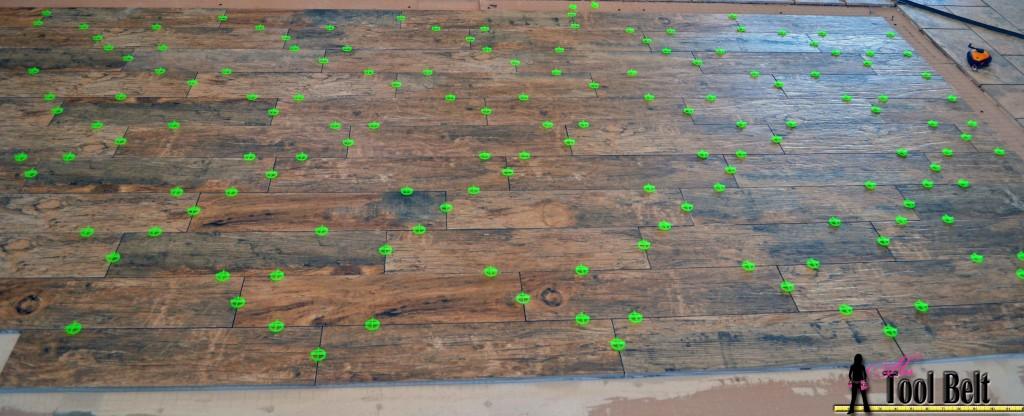 barnwood tile continue random pattern