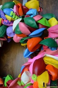 balloon wreath pins