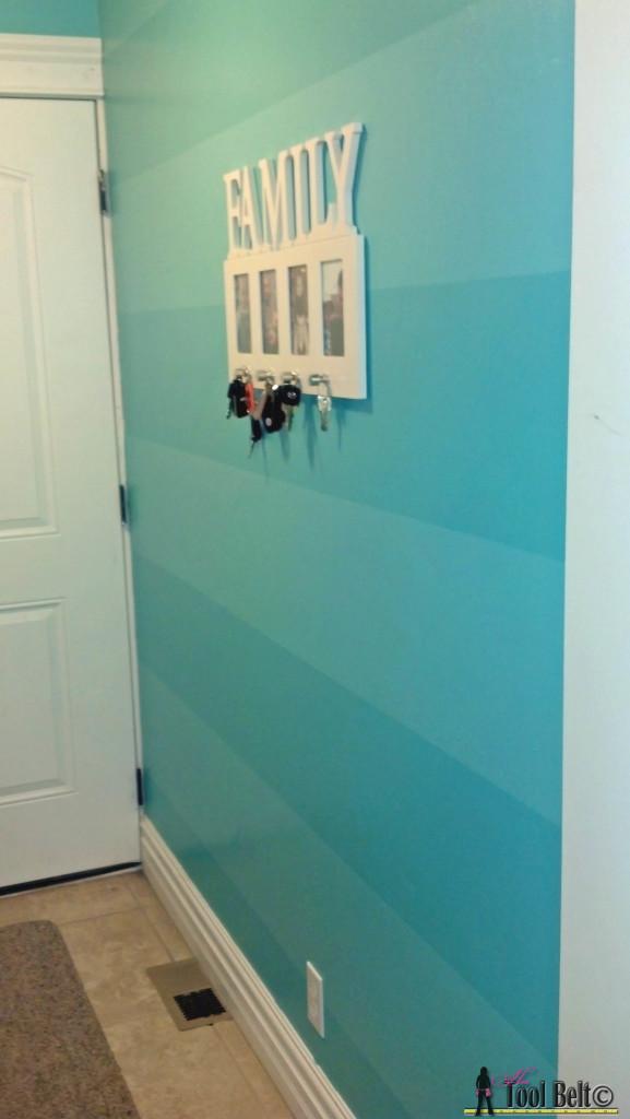 Geometric Wall - pre turquoise stripes