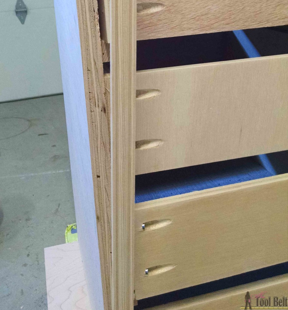 Build a beautiful jewelry cabinet to organize and store all of your beautiful things. Free DIY woodworking plans
