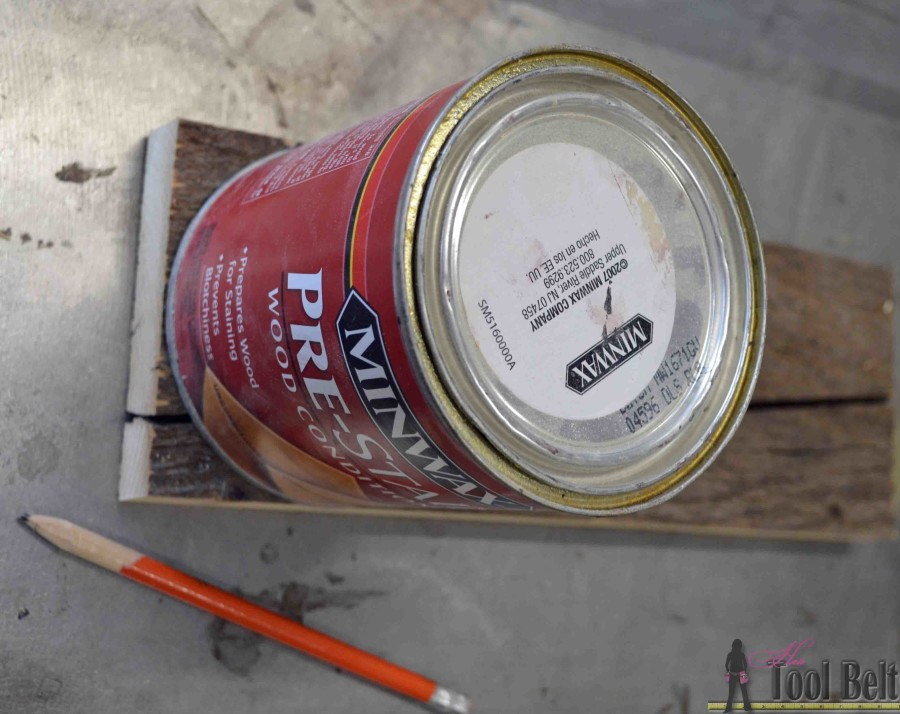 This mason jar caddy makes a perfect rustic centerpiece, paint the jars to change it up for the holidays! Build a simple wood tool box caddy with these free plans.