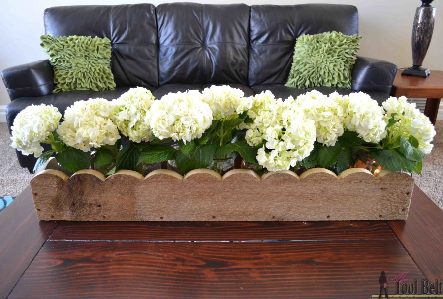 DIY scalloped planter box centerpiece - free plans Hertoolbelt