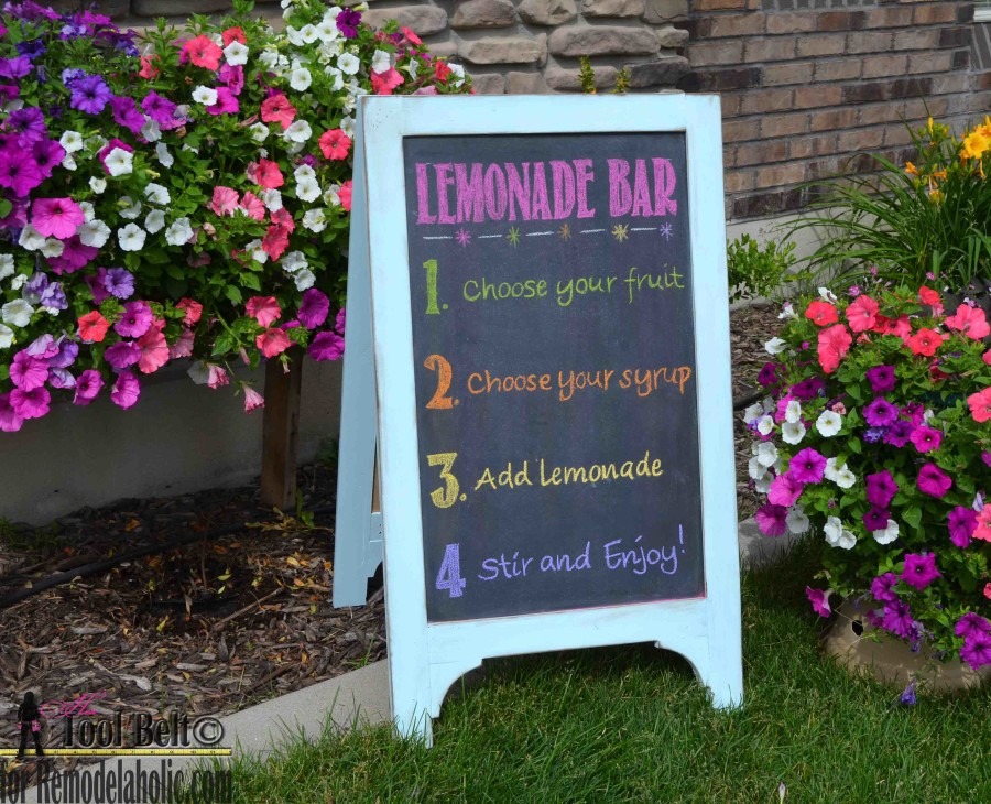 DIY chalkboard easel lemonade bar