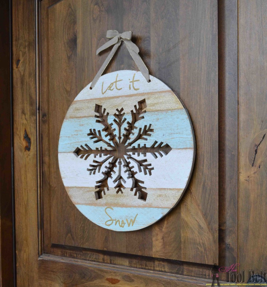'Let it Snow' - wooden snowflake door hanger tutorial. (aqua, white and gold)