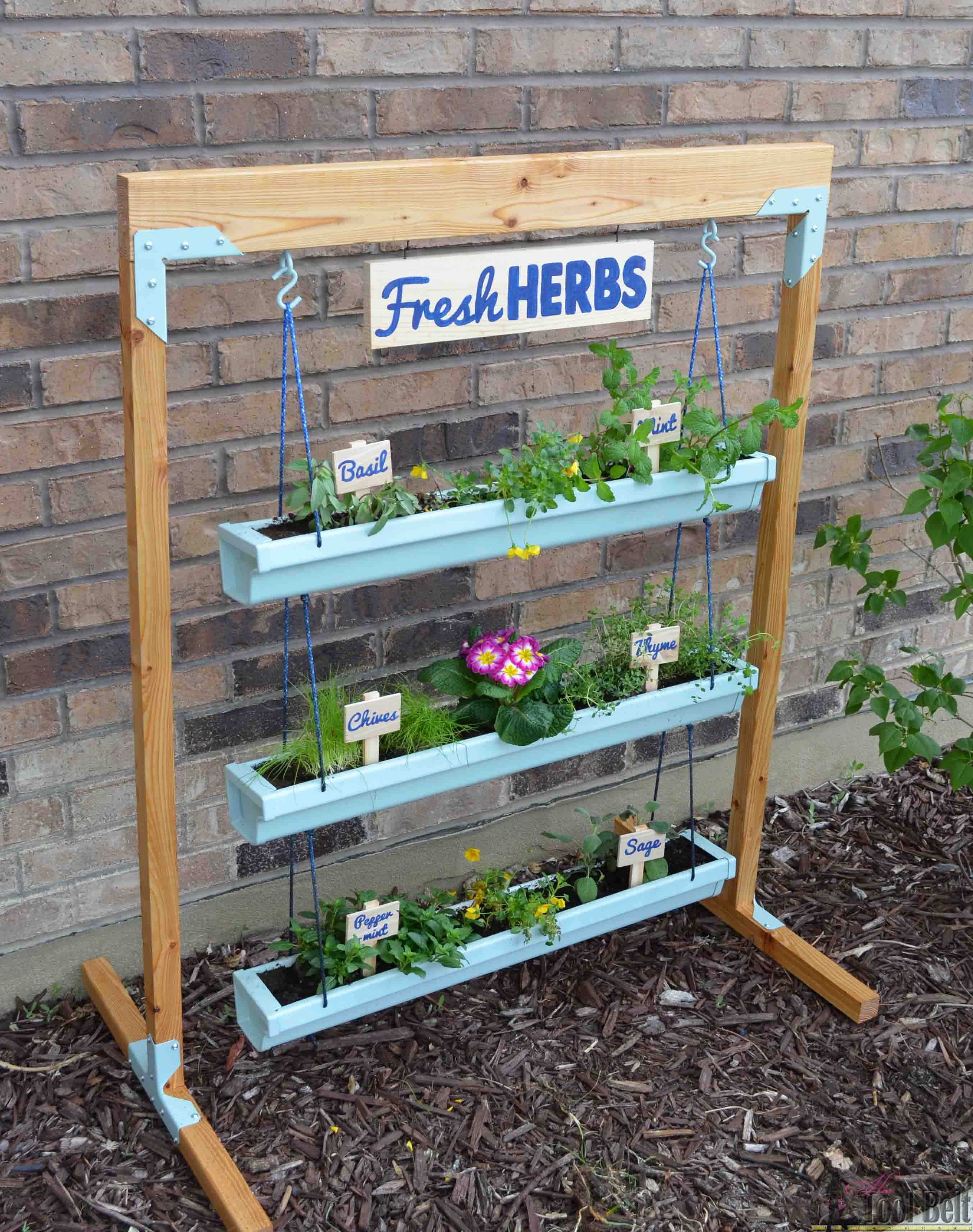 Amazing Super Easy Fresh Herb Garden That I Can Move Around. Free Plans To Build A