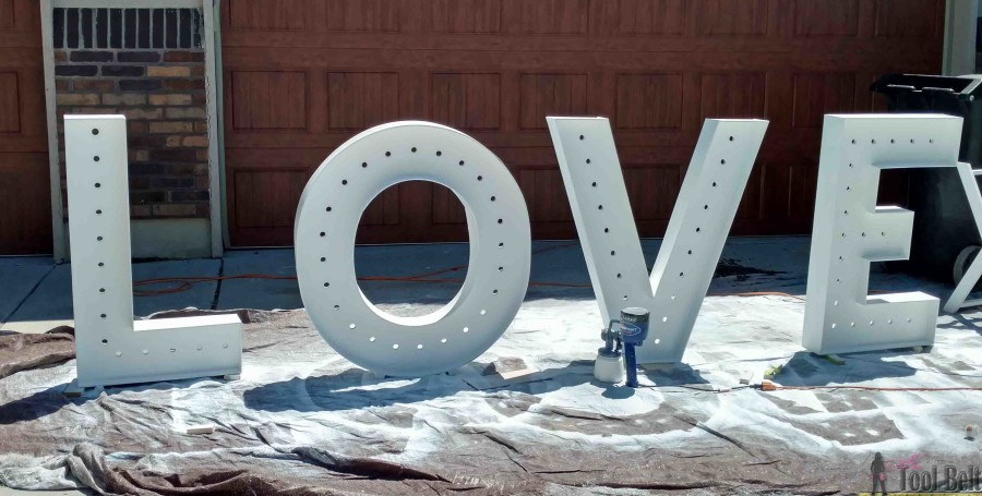 These are so cute for a wedding and make big statement! DIY LOVE marquee letters that are 40