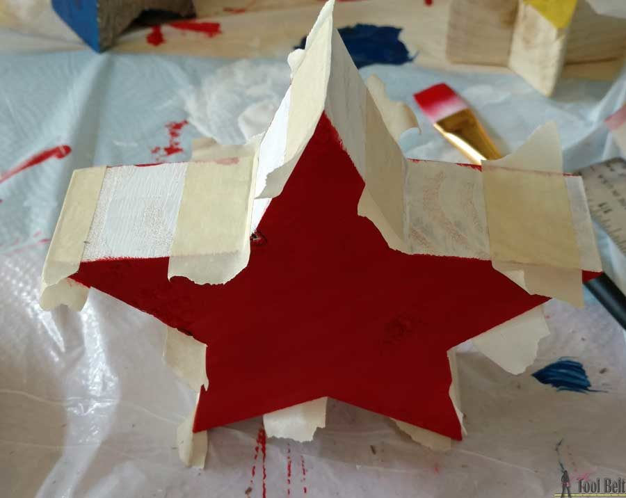 Super easy wood craft to use up scrap wood 2x4 and 2x6 pieces. Distressed red, white and blue star blocks with free pattern and simple tutorial.