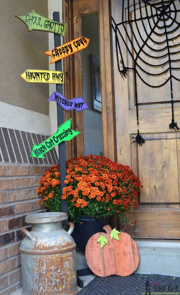 Diy Halloween Direction Sign The Idea Room