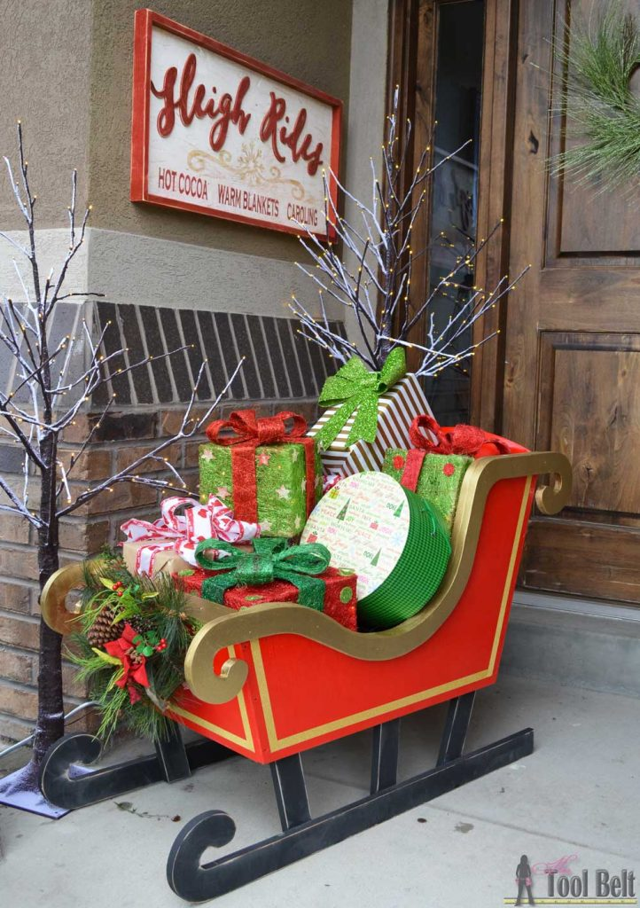 DIY Santa Sleigh with free pattern.