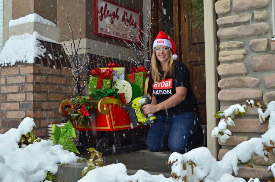 hertoolbelt-ryobi-snowing-santa-sleigh