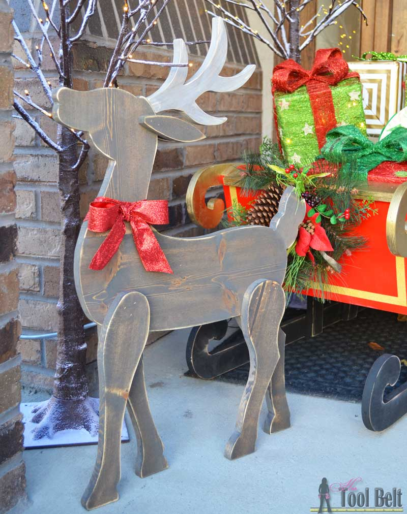 Diy wood reindeer her tool belt diy wood reindeer up close solutioingenieria