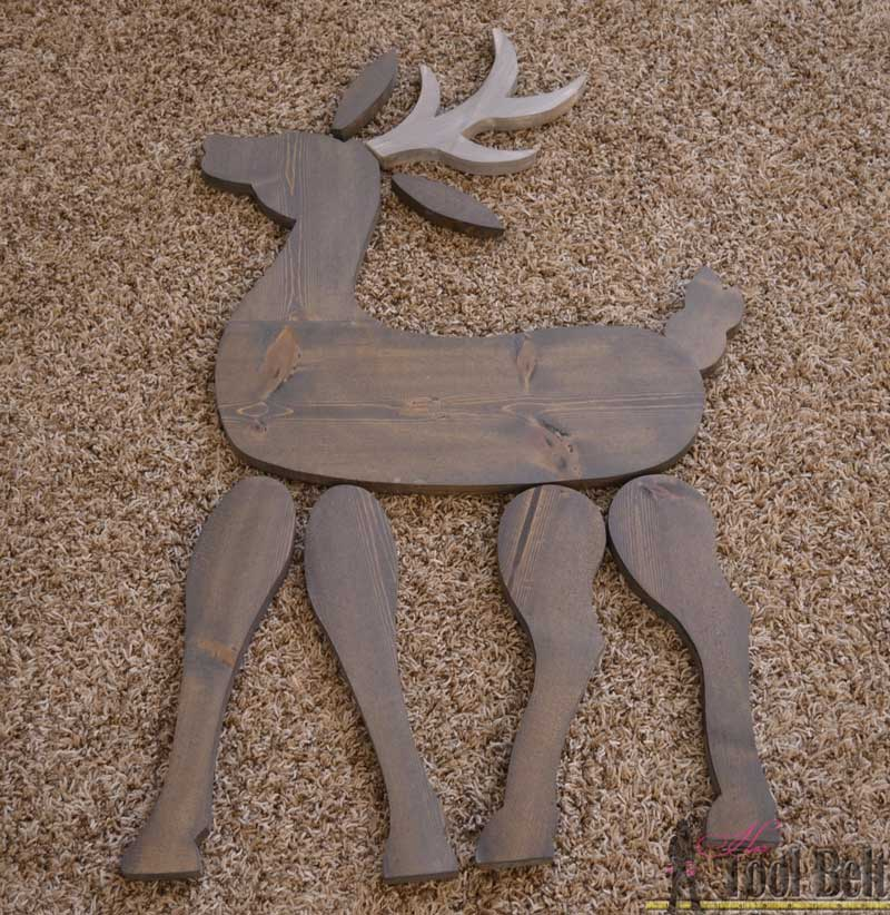 Make a cute DIY wood reindeer from a simple 1x8 board, free printable pattern.