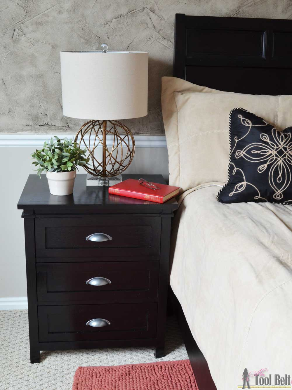 diy craftsman 3 drawer nightstand - her tool belt Diy Nightstand Plans