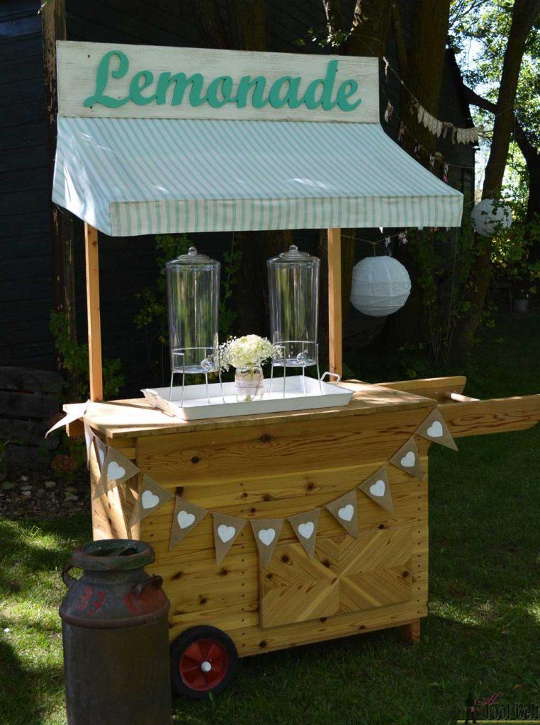 Diy decorative vintage wood ladder her tool belt for Pallet lemonade stand plans