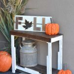 DIY Free Pallet Porch Table