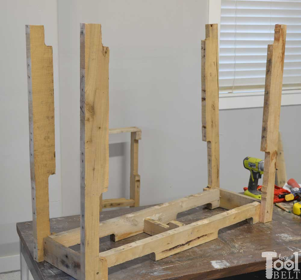 Pallet Table Attach Legs To Top Her Tool Belt