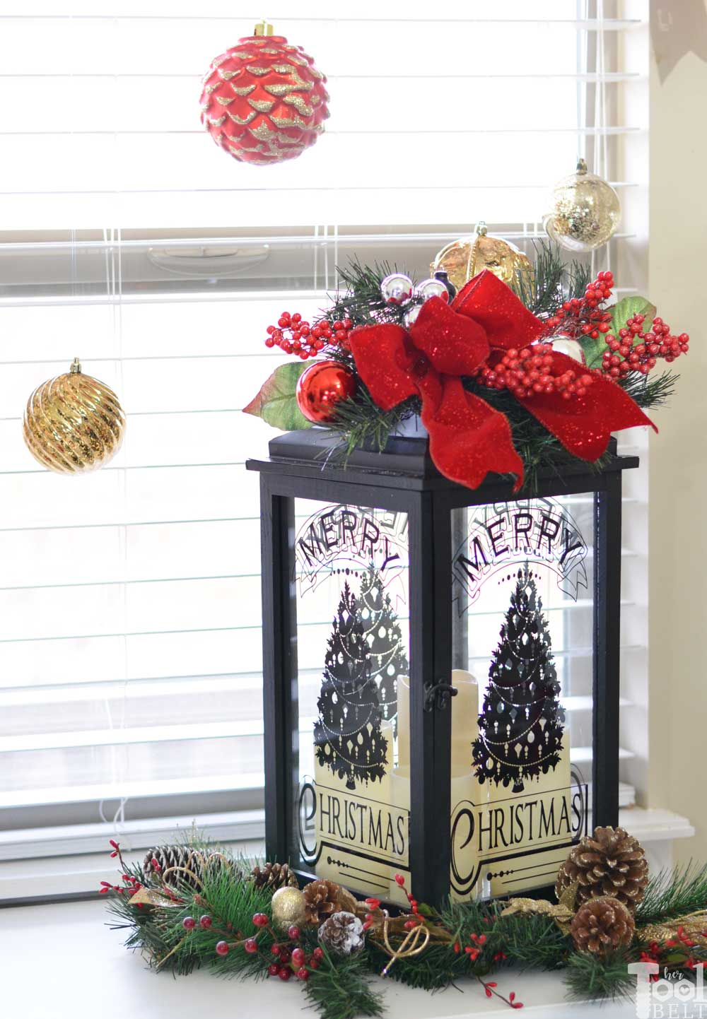 Holiday Decor in the Living Room - Her Tool Belt