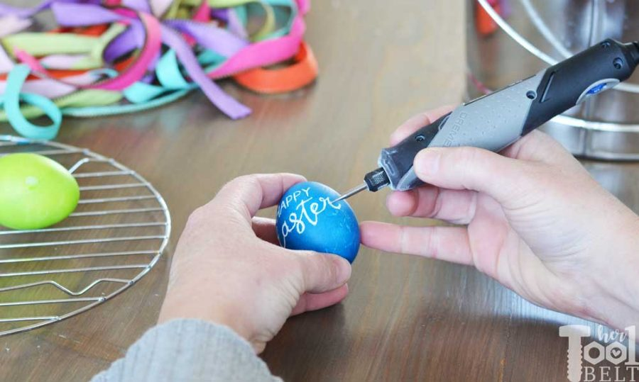 It's so easy to engrave dyed eggs with a Dremel rotary tool, perfect for an easter egg centerpiece.