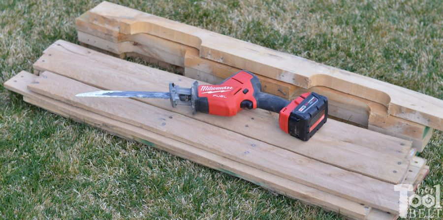 The easy way to take apart pallets and save the nail holes. It only takes a few minutes to dismantle the pallets. Slats and rails disassembled with hackzall.