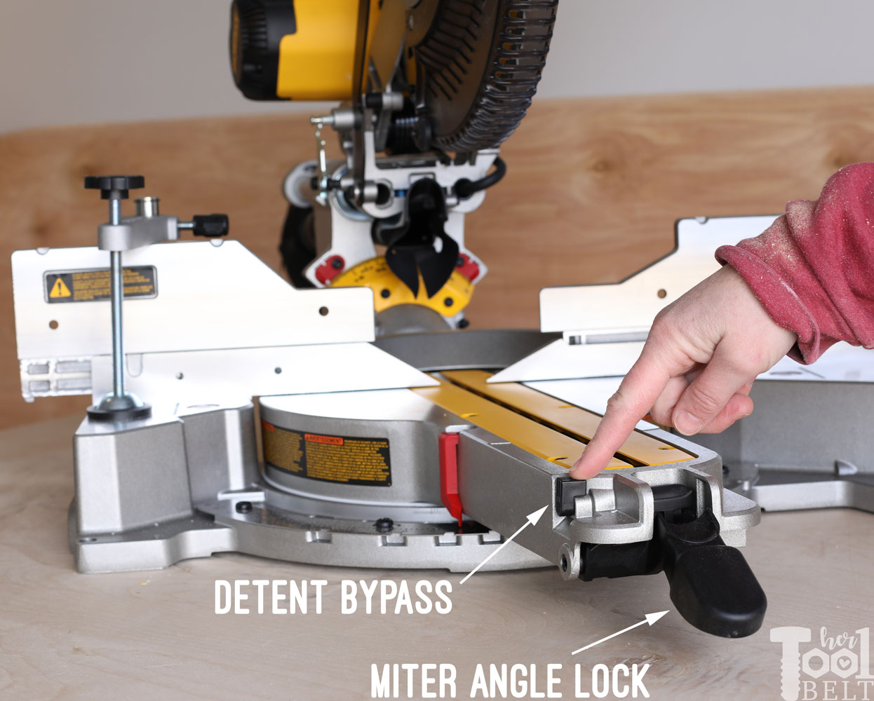 Dws779 Dewalt Miter Saw Review Her Tool Belt