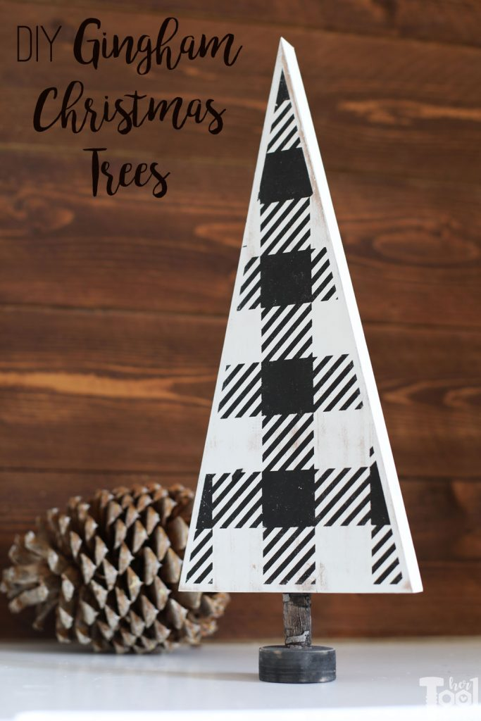 DIY black and white gingham Christmas Trees for your table top decor. Free vinyl template file to make your own.