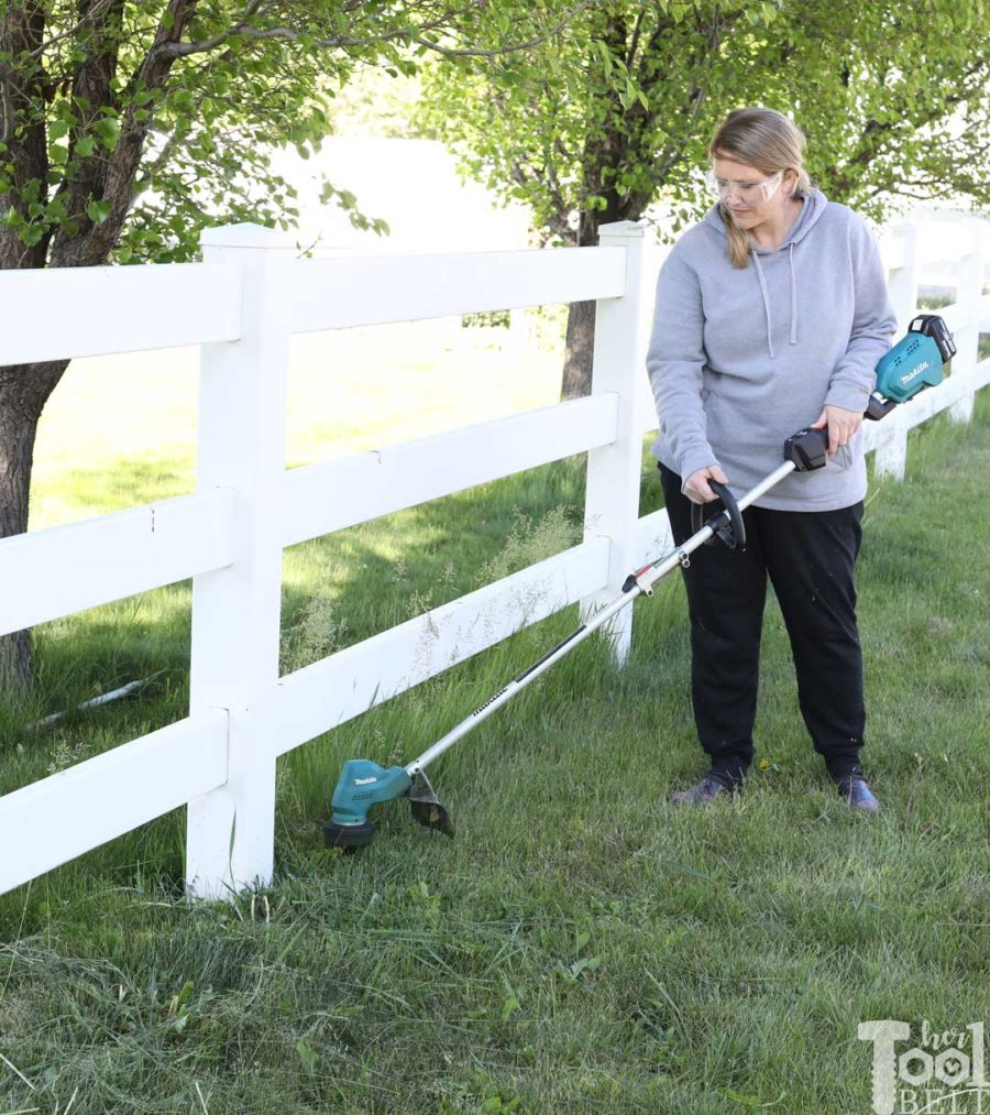 Want a light weight, easy to use weed eater with plenty of power? Check out the Makita cordless weed eater.