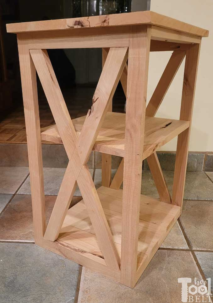 Free plans to build the Stacey side table. Perfect little accent table with X detail. Made out of knotty alder.